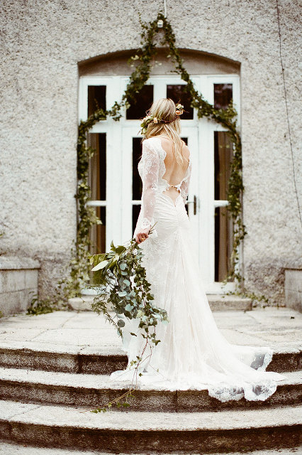Styled_By_Amber_Luxe_Bohemian_Wedding_Inspiration_Shoot_steps_flowers_bride