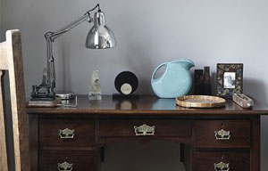 Styled-by-Amber-editorial-styling-interior-desk-table-chair-painting